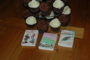 The perfect combination: Relax with cupcakes and Lynda's quirky characters...